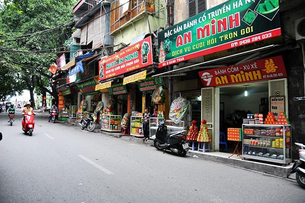 Một góc đường phố Hàng Than.
