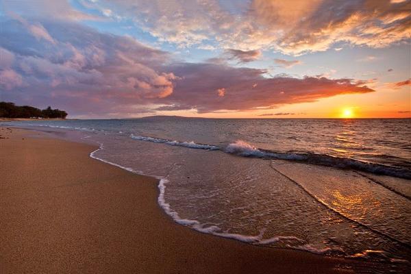 Hoàng hôn buông xuống trên bãi biển Diễn Thành