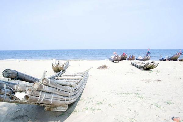 Bãi biển Hải Tiến hoang sơ trong lành