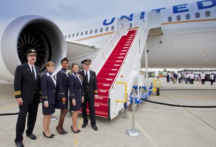 Hãng hàng không United Airlines với đội ngũ nhân viên chuyên nghiệp, tận tình